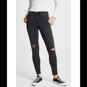 💕Madewell Ripped Knee Jeans
